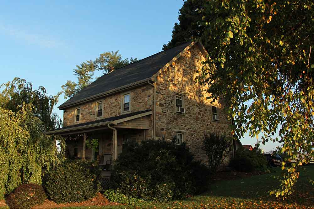 Olde Stone Guesthouse in the Fall